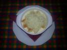 Fokhagymakrémleves pirított zsemlekockával, sajttal
